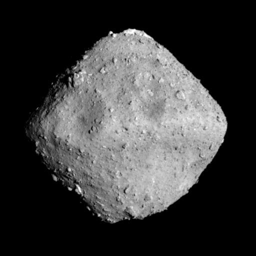 Японский космический зонд Hayabusa-2 совершил успешную посадку на астероид Ryugu и взял пробы грунта с его поверхности рис 3