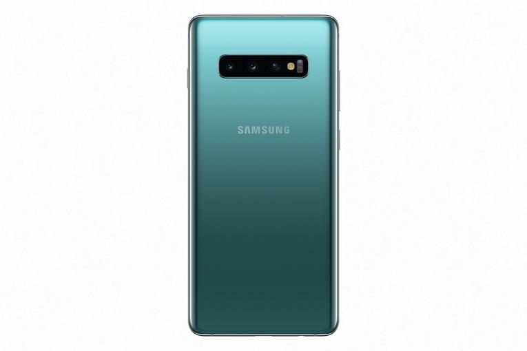 В Украине стартовали продажи Samsung Galaxy S10: предзаказов почти вдвое больше, чем на S9