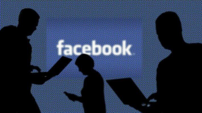 Facebook зарабатывает на персональных данных всеми возможными способами, считает Брайан Эктон