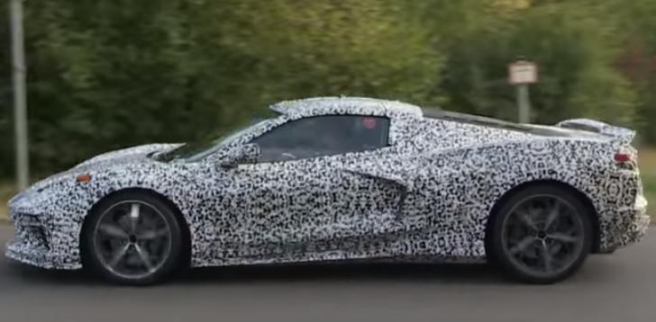 Фото нового поколения спортивного купе Chevrolet Corvette C8 в камуфляже выложили в интернет.