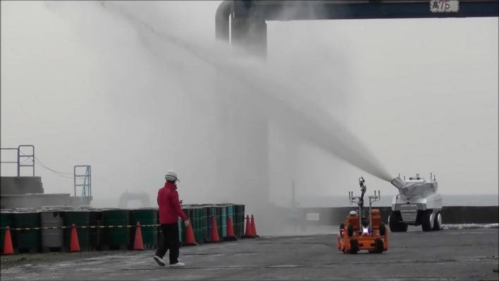 В Японии придумали роботизированный пожарный комплекс