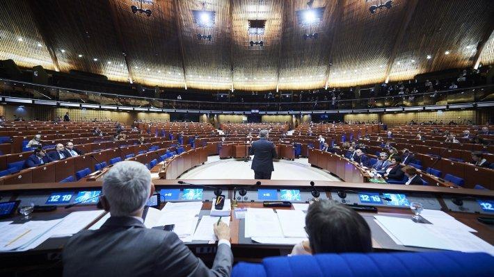 Ягланд предложил вернуть России право голоса в ПАСЕ