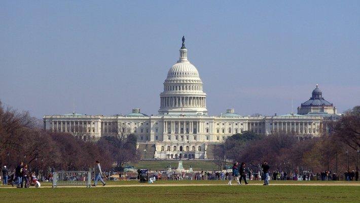 В парламенте США сложился двухпартийный антироссийский консенсус