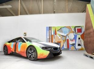 Немецкий художник превратил спорткар BMW i8 в арт-кар