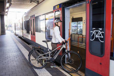 «Укрзалізниця» разрешила провозить велосипеды в скоростных поездах Интерсити (но есть нюансы)