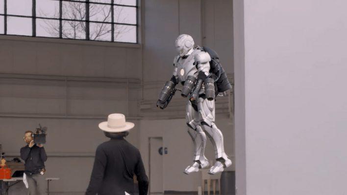 Адам Сэвидж вернулся с новым шоу и показал костюм «Железного человека»
