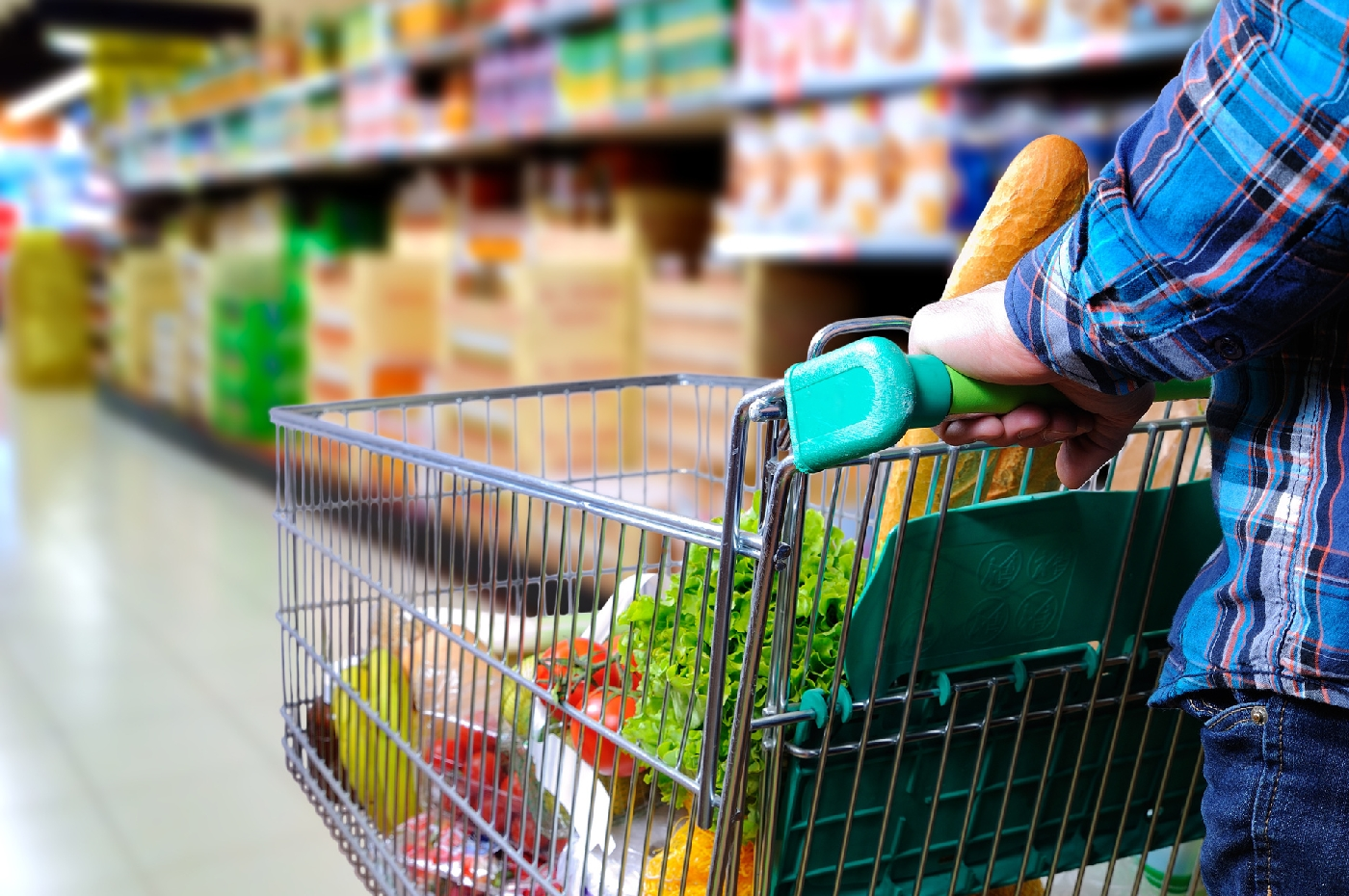 Нужны продукты в долг? Вам в «Перекресток»!