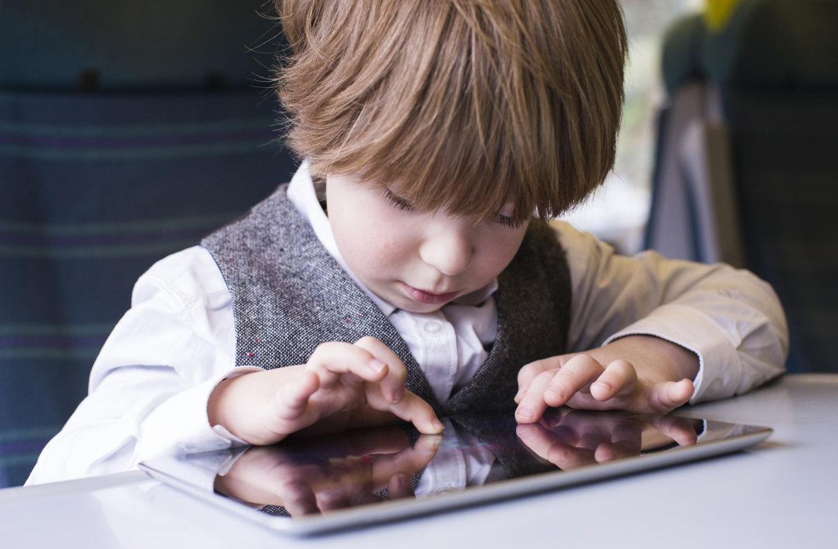 Эксперты рассказали о главных опасностях смартфонов