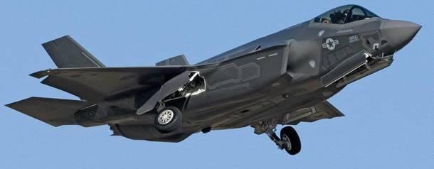 Минобороны США взялось за создание роботизированного пилота