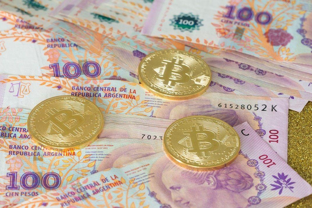 песо и биткоины