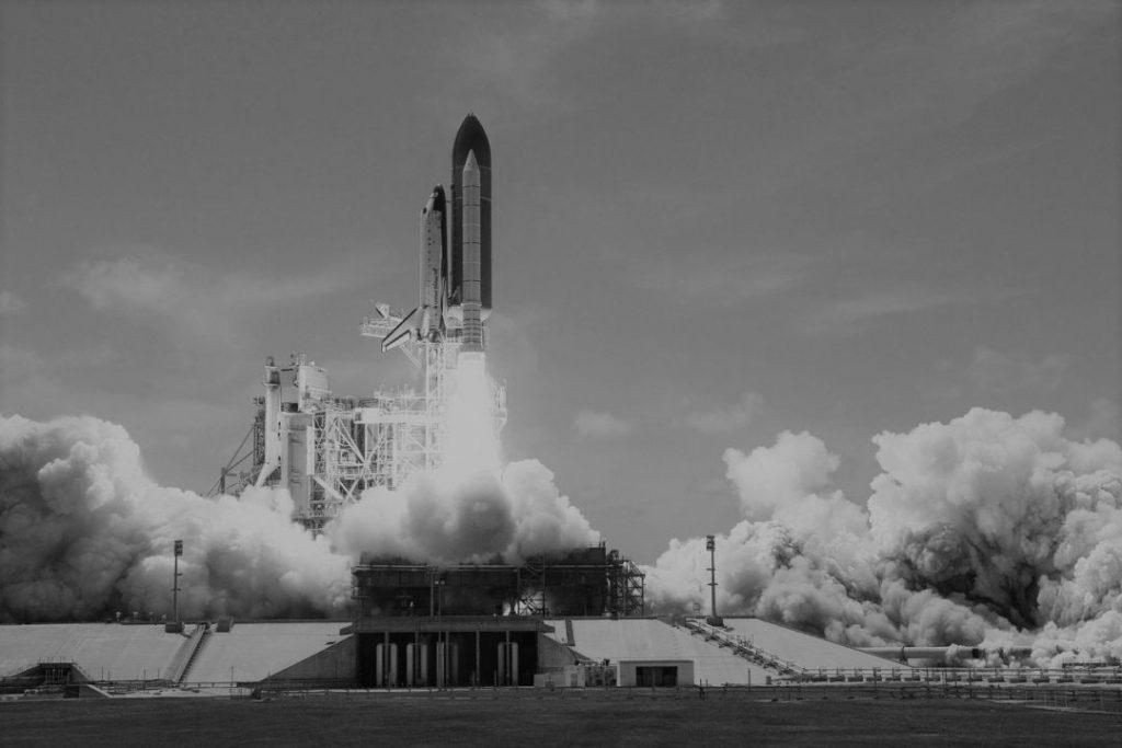 гифка запуск ракеты в космос