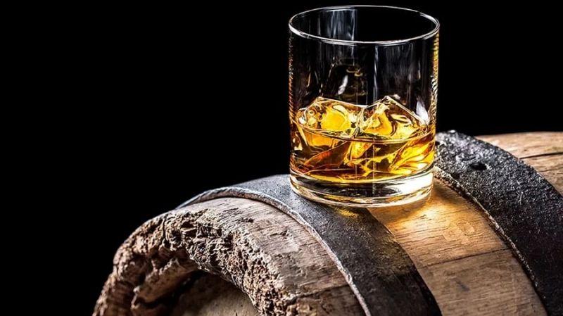 Производители виски из штата Кентукки выпустят токены на бочки бурбона