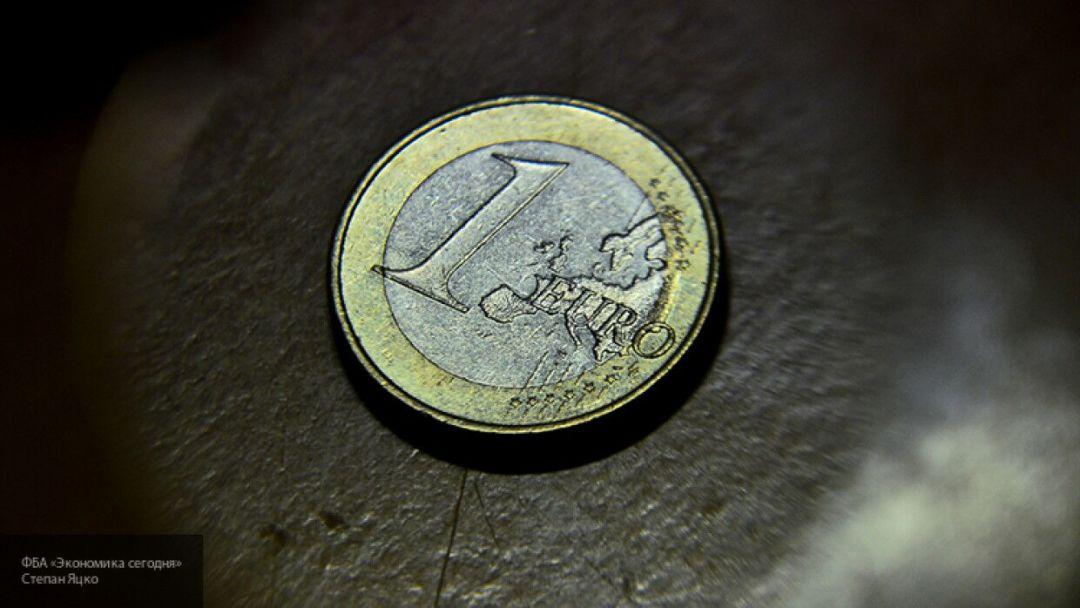 Курс евро превысил 87 рублей впервые с апреля